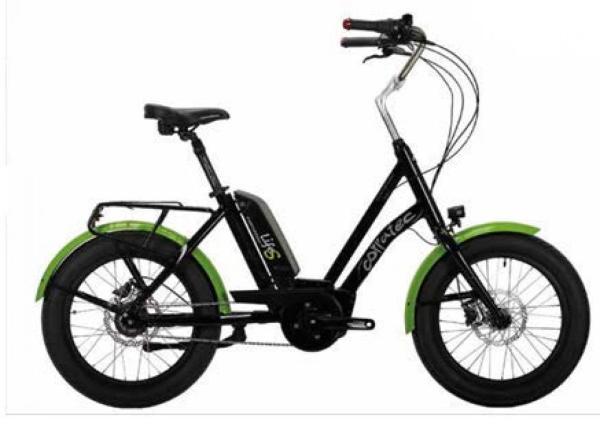 Mit dem Corratec Life S AP 5 hast du einen kompakten Rahmen mit spezieller Geometrie.  Du kannst bequem im Sattel sitzen während die Füße auf dem Boden abgesetzt werden. Außerdem ist das E-Bike für fast jede Körpergröße passend. Die extra breiten Innova Reifen (20x30) bieten Komfort und ein angenehmes Fahrgefühl. Mit dem kraftvollen BOSCH Active Line Plus Motor und dem Bosch Powerpack 500Wh Akku wirst du ideal bis 25km/h unterstützt.
