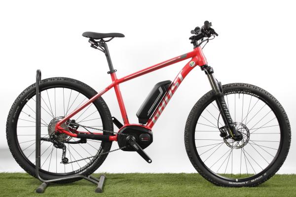 Ein gebrauchtes Top E-Mountainbike von Ghost zu einem starken Preis!  Mit dem Ghost Teru 2 SE kann man einfach raus und Spaß haben. Das verspielte, sichere Handling mit angenehmer Unterstützung ist genau richtig für entspannte Ausflüge. Dieses gebrauchte E-Mountainbike stellt einen besonderen Anreiz für echt Clevere E-Bike Käufer dar.  Die gebrauchten E-Bikes von Greenstorm sind praktisch eingefahren, Top-gewartet und die Gebrauchsspuren sind minimal.  Greenstorm gewährt 2 Jahre Garantie auf Motor und Akku ab Kaufdatum ihres gebrauchten TOP-E-Bikes.