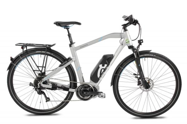 Das elegante Husqvarna Light Tourer LT1 Herren Trekking E-Bike ist der perfekte Begleiter für gemütliche Ausflüge mit einer starken Unterstützung.Der 418Wh starke Akku und 50Nm starke Motor unterstützt sie bei jeder Ausfahrt im flachen, auf Waldwegen oder auch auf leichten Schotterstraßen. Durch das montierte Licht und dem Schutzblech hindert Sie kein Wetter mehr beim E-Biken.